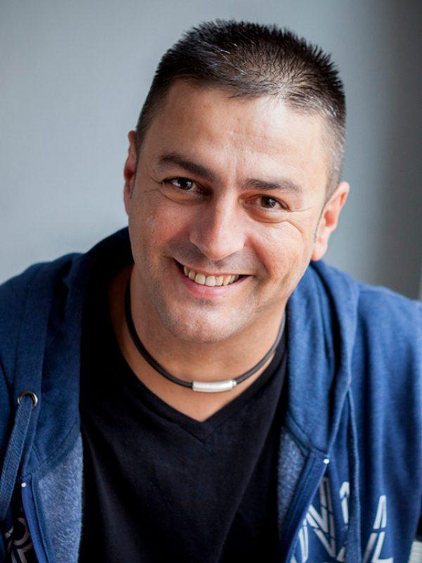 Tutor Antonio Marquez, Aula Desigual